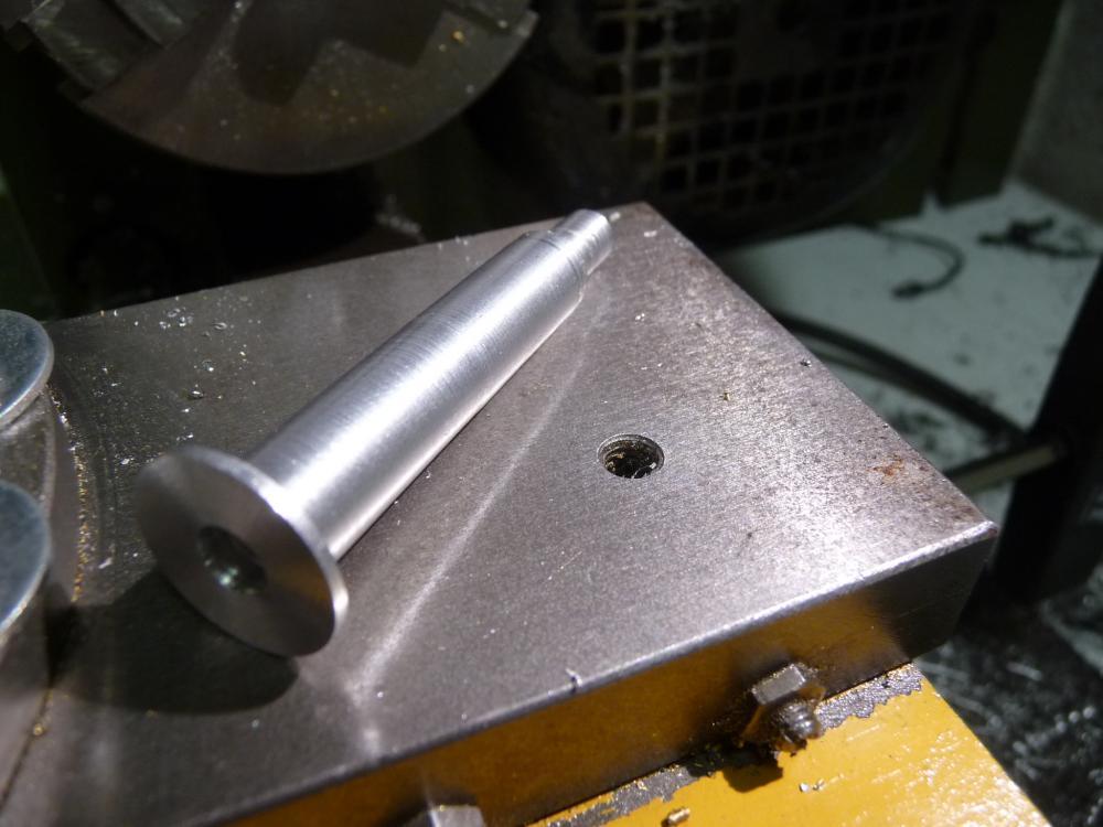 P1040606 Pedal neu, mit Zapfen und 4mm Innengewinde.JPG